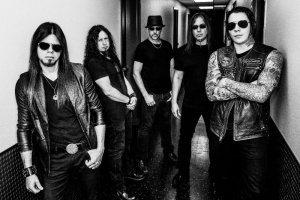 VIDEO: Tragédie letadla Malaysian airlines očima QUEENSRYCHE