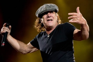 Vrací se Brian Johnson do AC/DC?