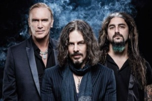 "VIDEO: THE WINERY DOGS – ""Oblivion"""
