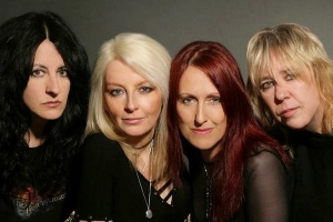 "Poslechněte si: GIRLSCHOOL - ""Take It Like a Band"""