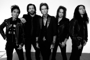 "VIDEO: BUCKCHERRY - ""Tigth Pants"""