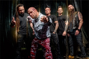 FIVE FINGER DEATH PUNCH natočili klip duchů