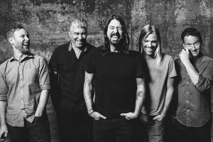 FOO FIGHTERS se nerozpadají!