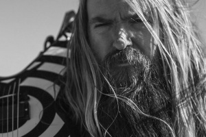 "VIDEO: Zakk Wylde feat. Corey Taylor – ""Sleeping Dogs"""