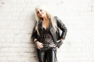 "VIDEO: DORO – ""Love´s Gone to Hell"""