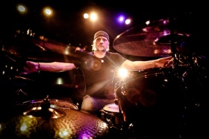 Dave Lombardo řádí s Mikem Pattonem z FAITH NO MORE v super kapele DEAD CROSS