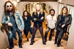 "VIDEO: THE DEAD DAISIES - ""Long Way to Go"""