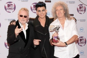 "QUEEN a Adam Lambert - ""We Are the Champions"""