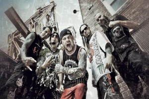 Frontman Ivan Moody se vrací do FIVE FINGER DEATH PUNCH