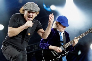 "VIDEO: AC/DC komentují album ""Back in Black"""
