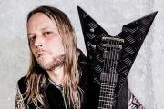 Bývalý kytarista IN FLAMES Jesper Strömblad tvrdí, že by si kapela měla změnit jméno
