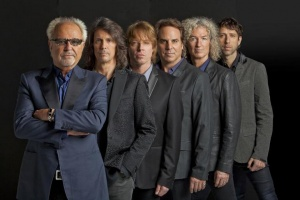 "VIDEO: FOREIGNER – ""The Flame Still Burns"""